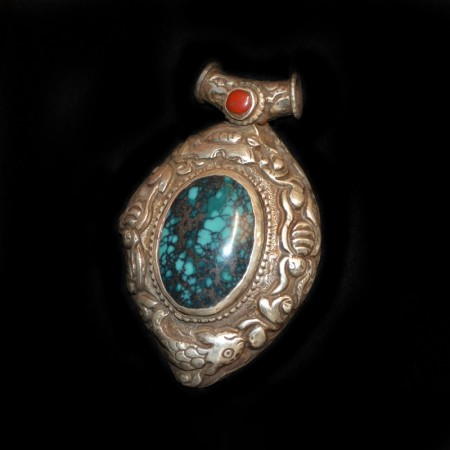 Vintag tibetan style Turquoise Coral Silver Repoussee Pendant