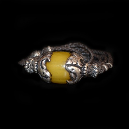 Old Simulated Amber-Silver-Bead Choker