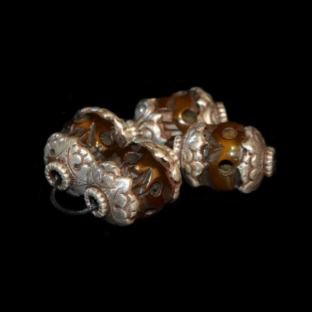 Resin skull silver beads