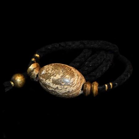 Bactrian fossil bead choker