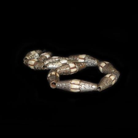 Antike Conch Muschelperlen mit Silberdekoration