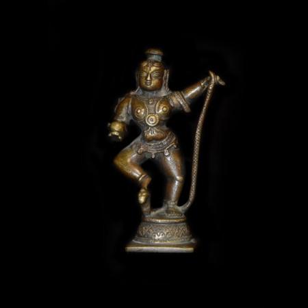 Antike tanzende Krishna Statue