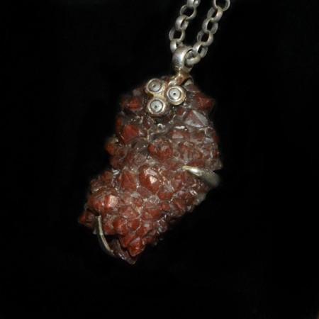 Roter Bergkristall Silberanhänger