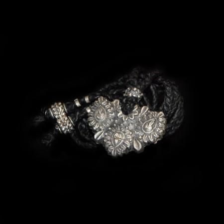 Silber Blumen-Amulett
