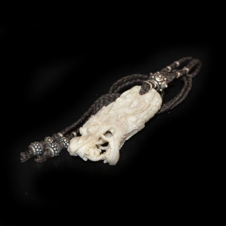 Drachen Knochen-Amulett