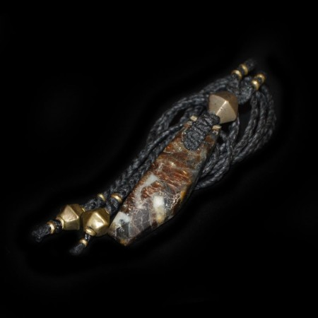 Goldener Safir-Talisman