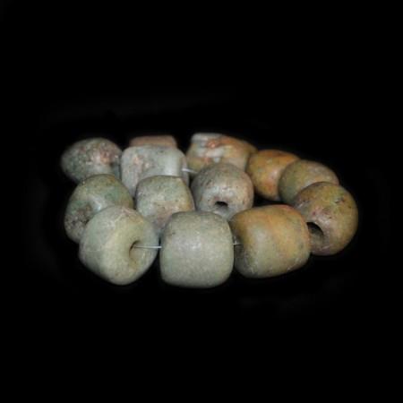 Strang mit antiken Amazonitperlen