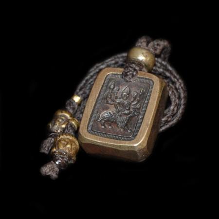 Antikes Bronze-Amulett mit Göttin Durga