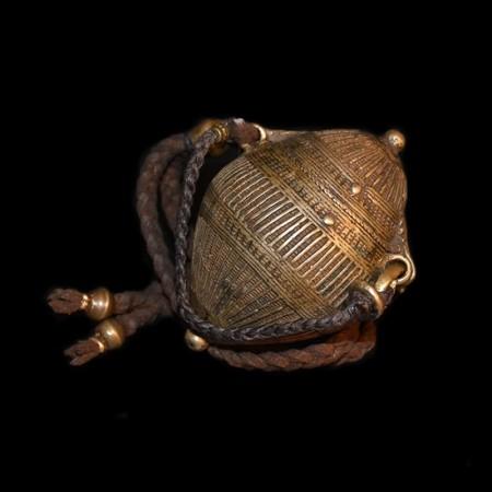 Antiker indischer Messingbehälter