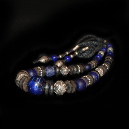 Antike kobalt-blaue Glasperlen und Silber Halskette
