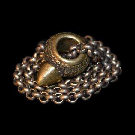 Antikes Messing Ringamulet mit Kette