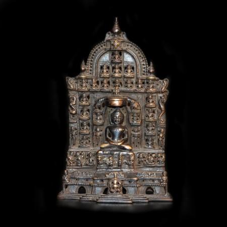 Schwarze Jain Statue