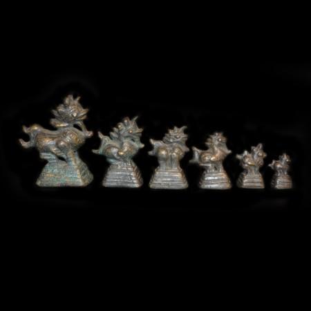 Sechs antike Opium Gewichte aus Burma