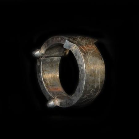 Antikes ethnisches Silberarmband