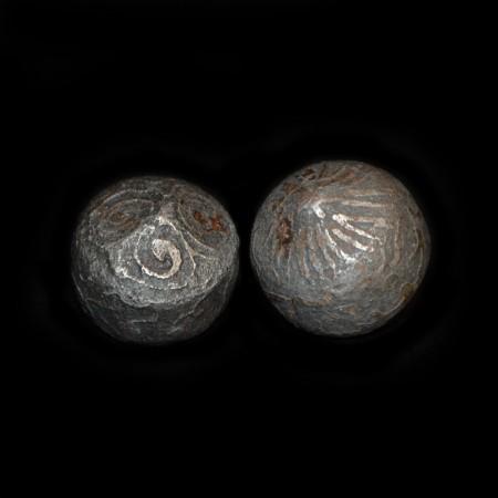Mystische antike Eisen-Gewichte