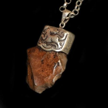 Neolithisches Werkzeug Silberanhänger