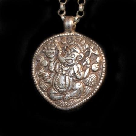 Grosses altes Ganesha Silber Amulett
