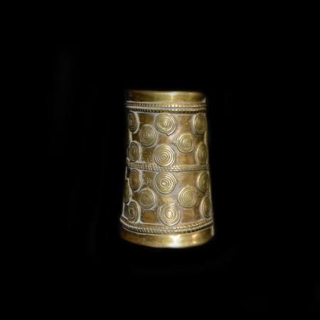 Seltenes Messing-Armband aus dem Nagaland, Indien